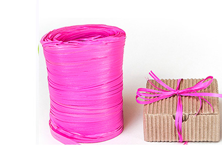 Веревка рафия ярко-розовая